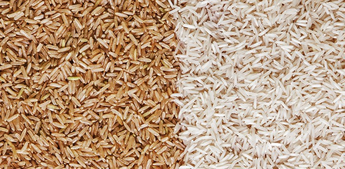 brown rice vs white rice side by side